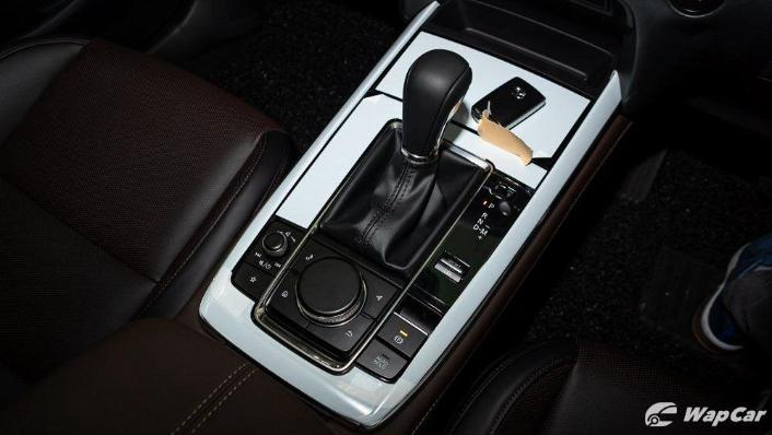 2019 Mazda 3 Sedan 2.0 SkyActiv High Plus Interior 009