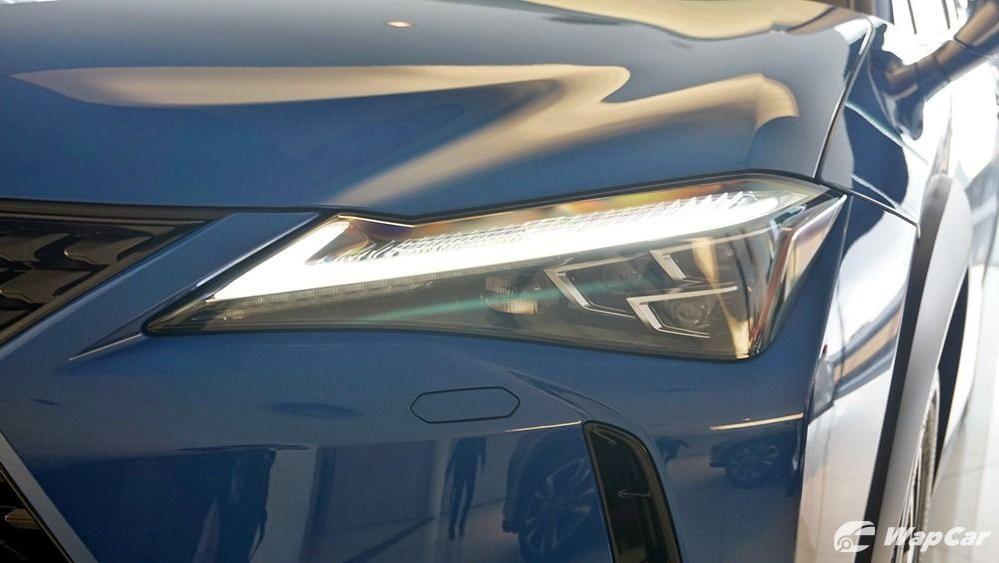 2020 Lexus UX 200 Luxury Exterior 039