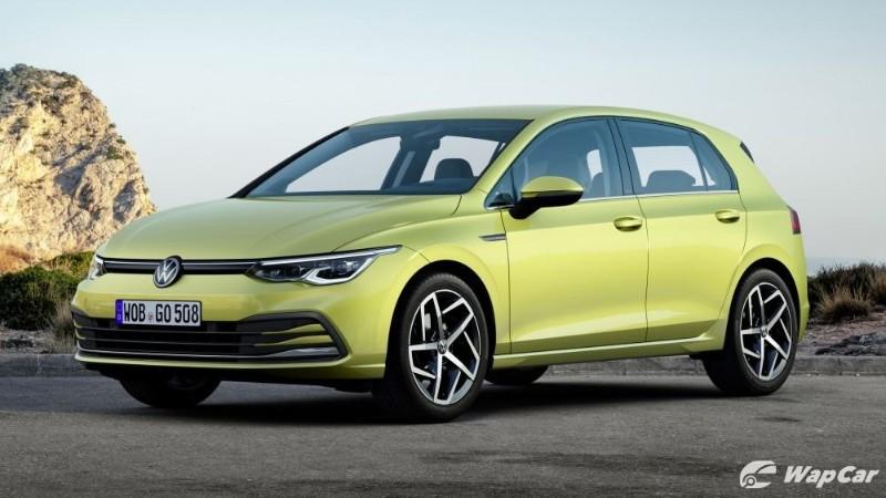 Volkswagen Gold Mk8 front three quarter