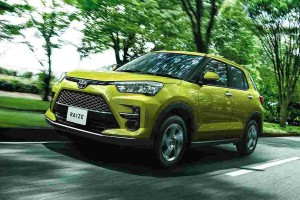 Toyota Raize/Daihatsu Rocky launched in Japan, Myvi size and priced below a Honda HR-V