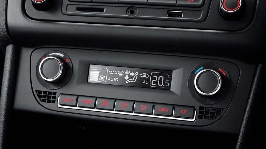 Volkswagen Vento (2018) Interior 009