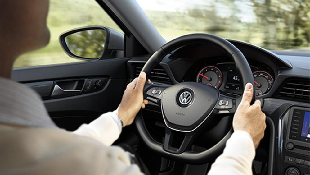 2020 Volkswagen Passat Interior 012