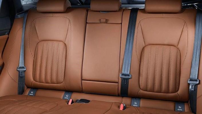 Jaguar F-Pace (2018) Interior 009