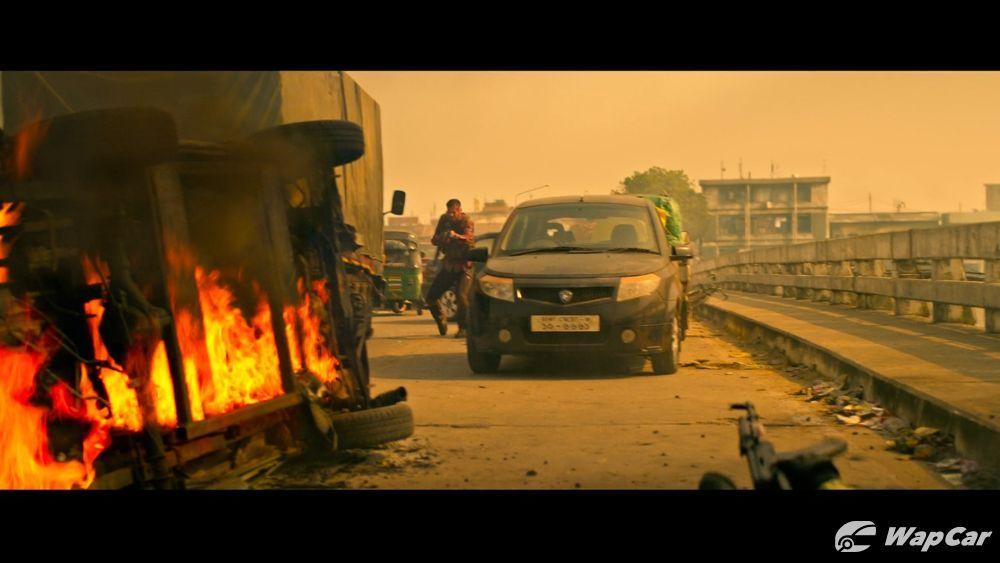 Proton Satria Neo, Savvy, and Saga make 'cameo appearance' in Netflix's Extraction starring Chris Hemsworth 01
