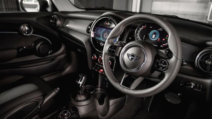 2021 MINI 3 Door Cooper S Interior 002