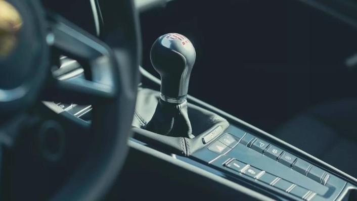 2018 Porsche 911 Carrera T Interior 004
