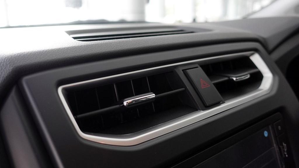 2019 Perodua Aruz 1.5 X Interior 023
