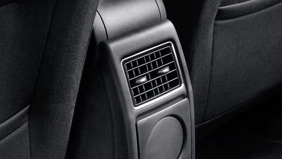 Volkswagen Vento (2018) Interior 015
