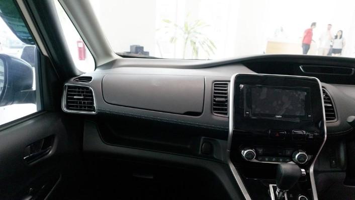 2018 Nissan Serena S-Hybrid Highway Star 2.0 Interior 005