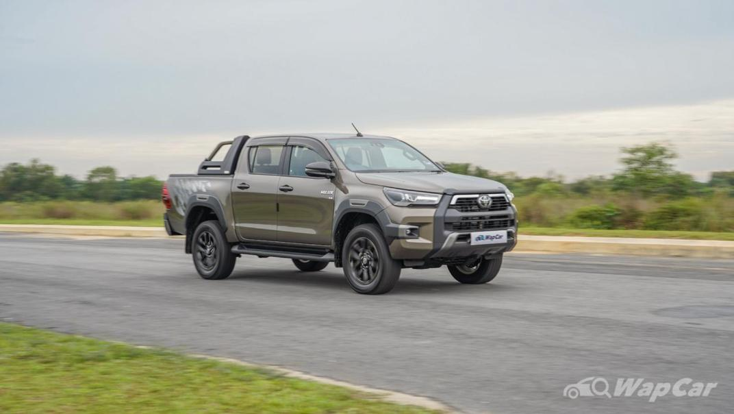 2020 Toyota Hilux Double Cab 2.8 Rogue AT 4X4 Exterior 057