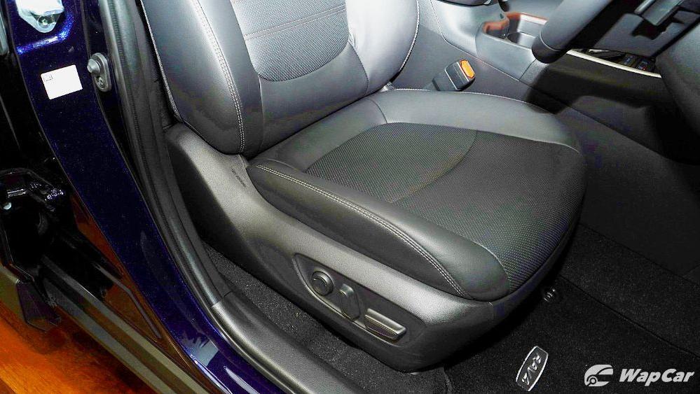2020 Toyota RAV4 2.5L Interior 082