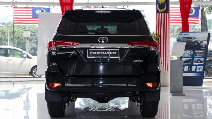 2018 Toyota Fortuner 2.7 SRZ AT 4x4 Exterior 005
