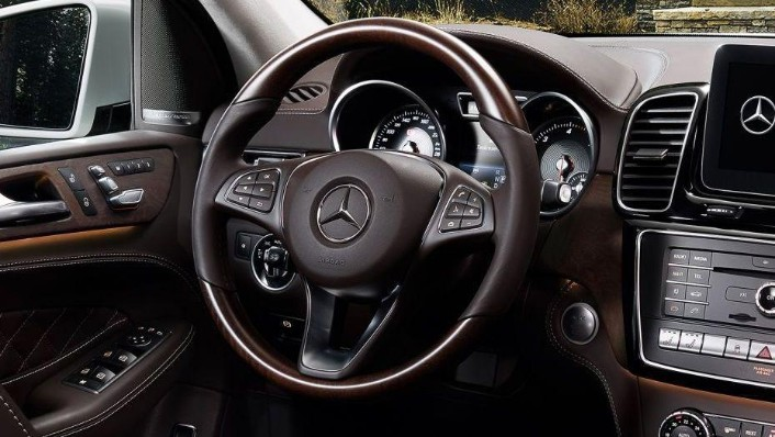 2019 Mercedes-Benz GLE GLE 450 4Matic AMG Line Interior 001
