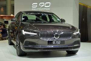 Malaysia-assembled 2021 Volvo S90 facelift debuts in Thailand, ahead of us