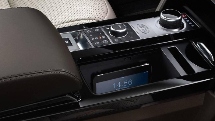 Land Rover Discovery (2018) Interior 004