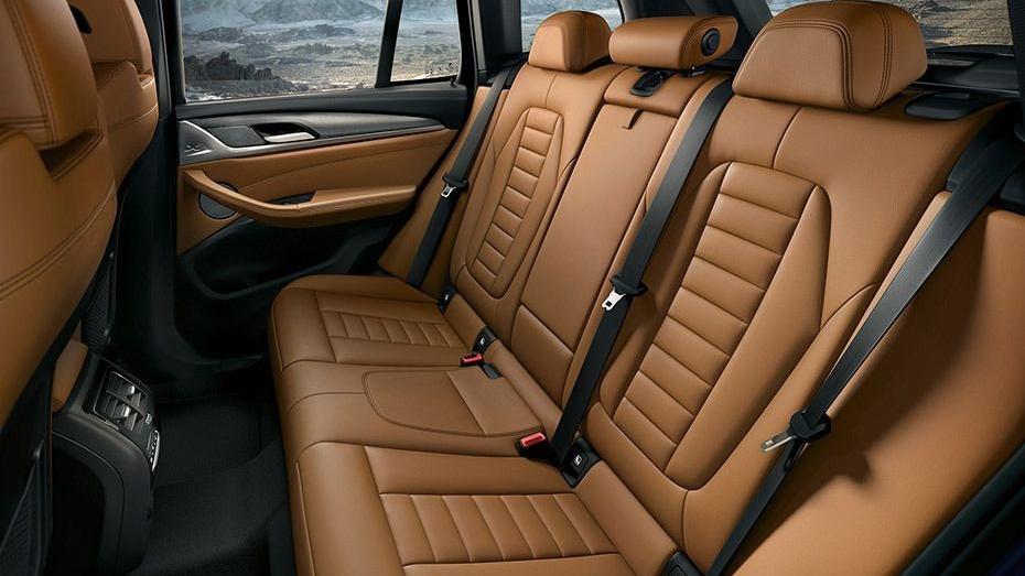 BMW X3 (2019) Interior 013