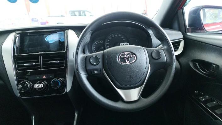 2019 Toyota Yaris 1.5E Interior 004