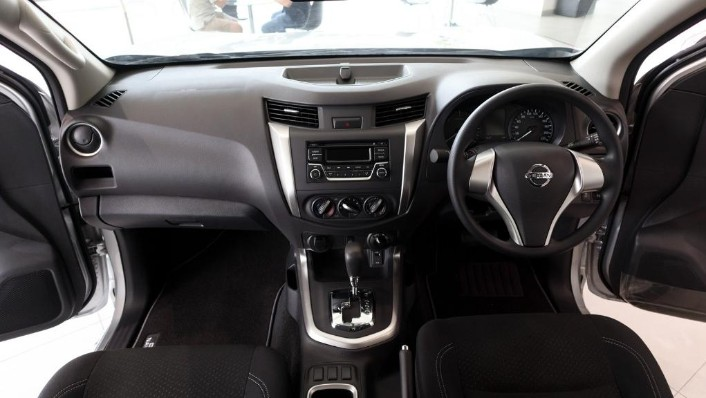 2018 Nissan Navara Single Cab 2.5 (M) Interior 001