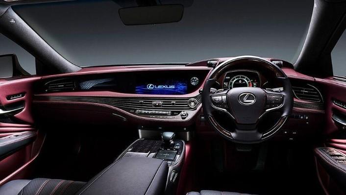Lexus LS (2018) Interior 001