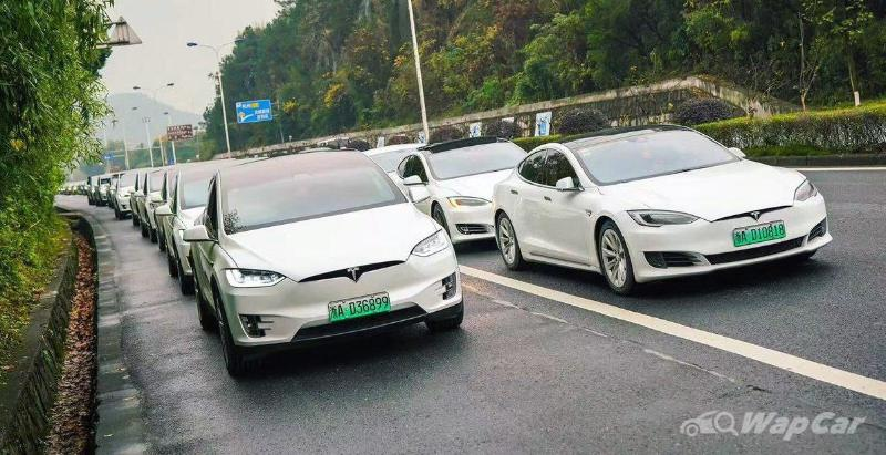 Failed brakes spark protest at Tesla's booth in 2021 Auto Shanghai 02