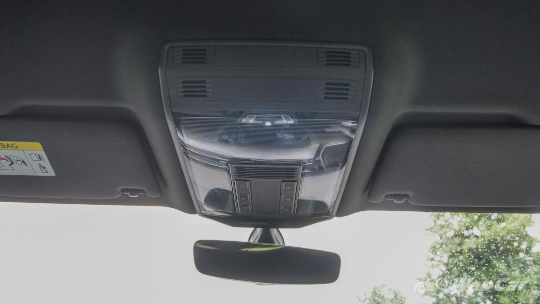2020 Volkswagen Passat 2.0TSI R-Line Interior 010