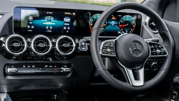 2021 Mercedes-Benz GLA 200 Interior 002