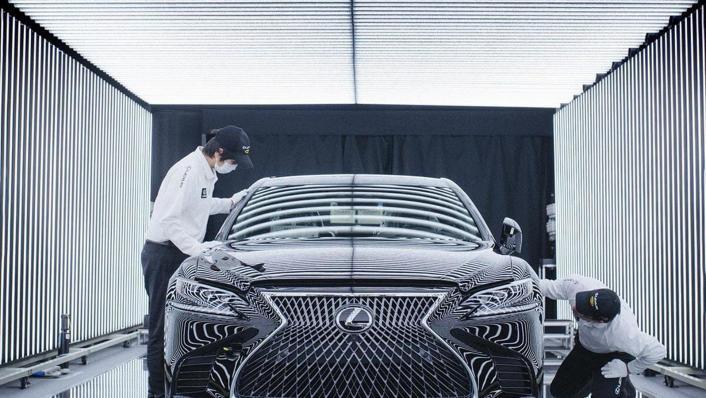 2020 Lexus LS Exterior 004