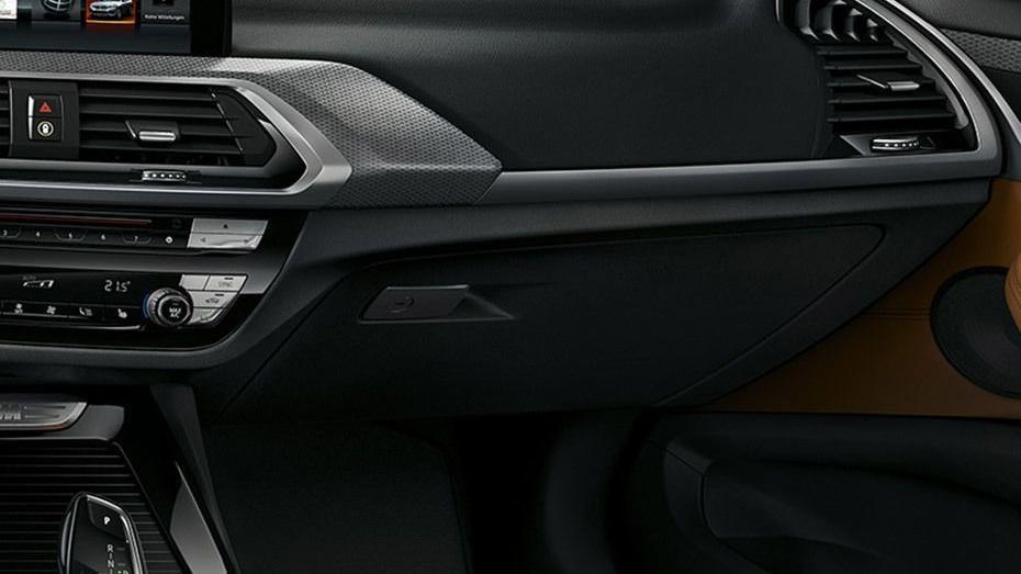 BMW X3 (2019) Interior 007