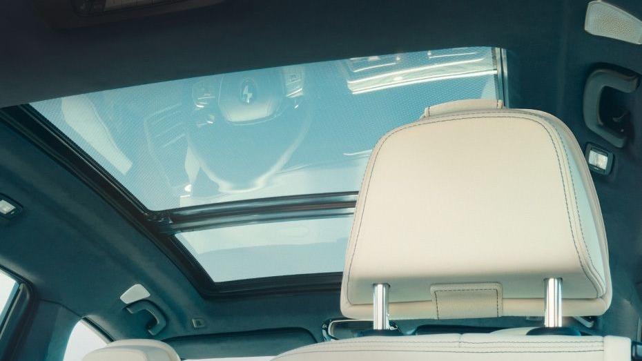 BMW X7 (2019) Interior 013