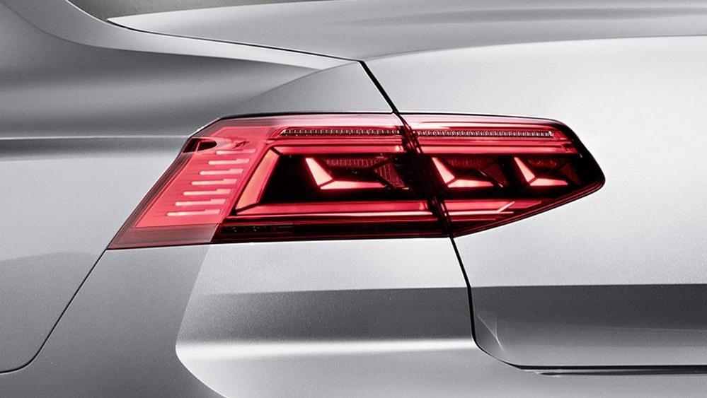 2020 Volkswagen Passat 2.0TSI Elegance Exterior 052