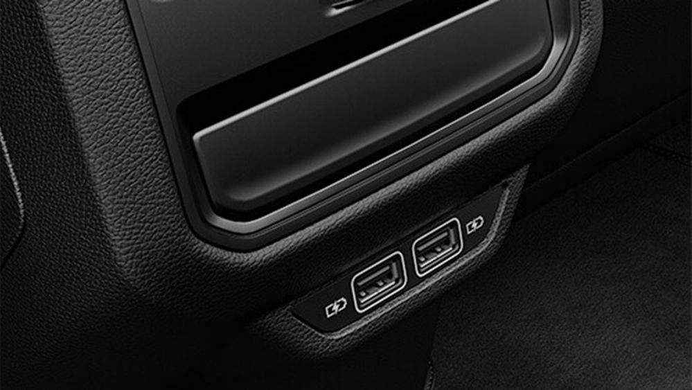 2020 Volkswagen Passat Interior 007