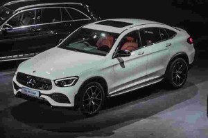 A sexy back that you can't stop following - the new Mercedes-Benz GLC Coupe facelift