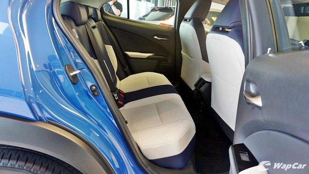 2020 Lexus UX 200 Luxury Interior 061