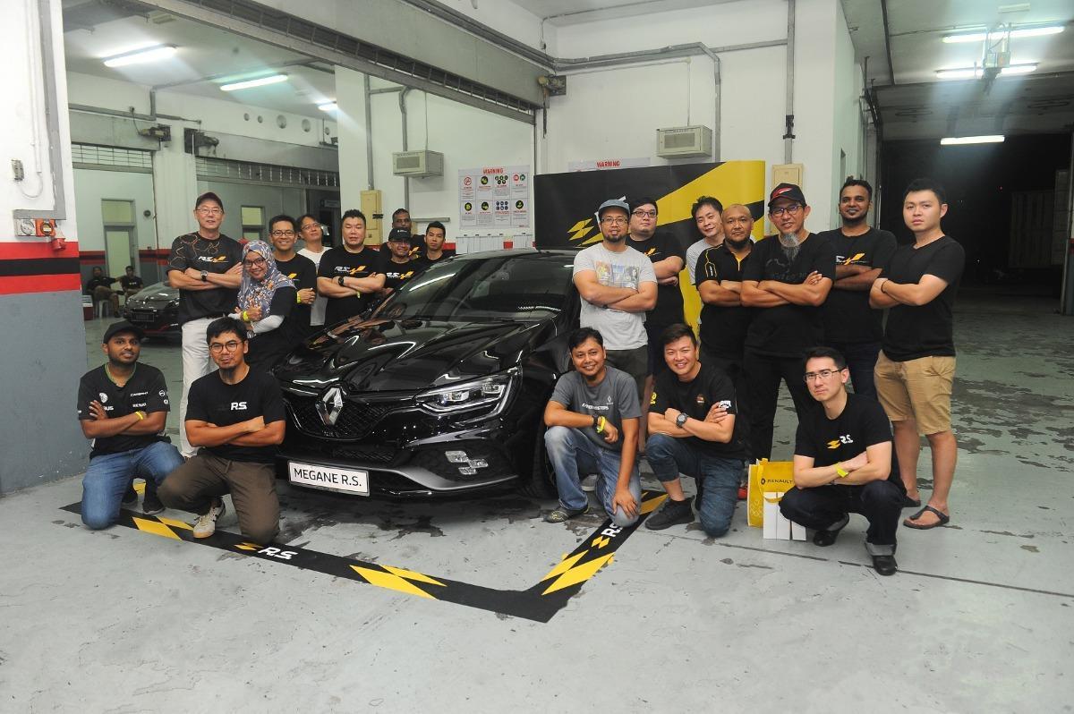 Renault Megane R.S 280 Cup breaks Sepang lap record