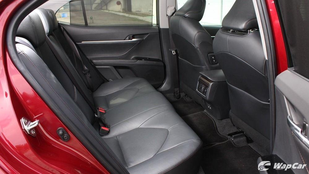 2019 Toyota Camry 2.5V Interior 064