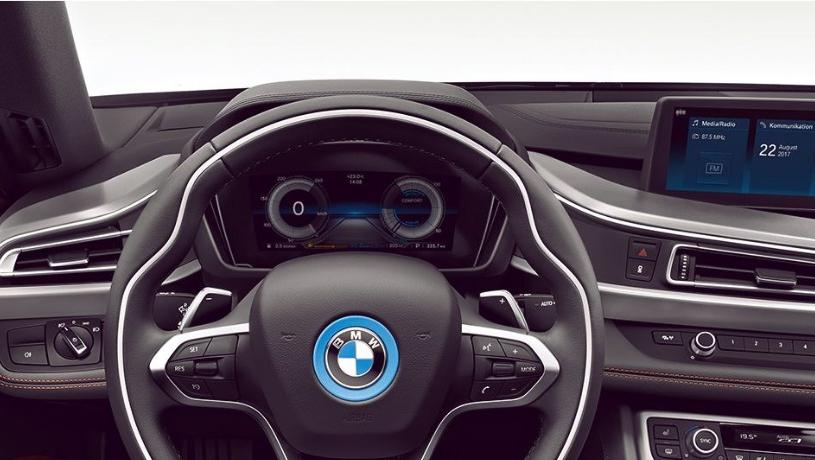 BMW i8 Roadster (2018) Interior 007