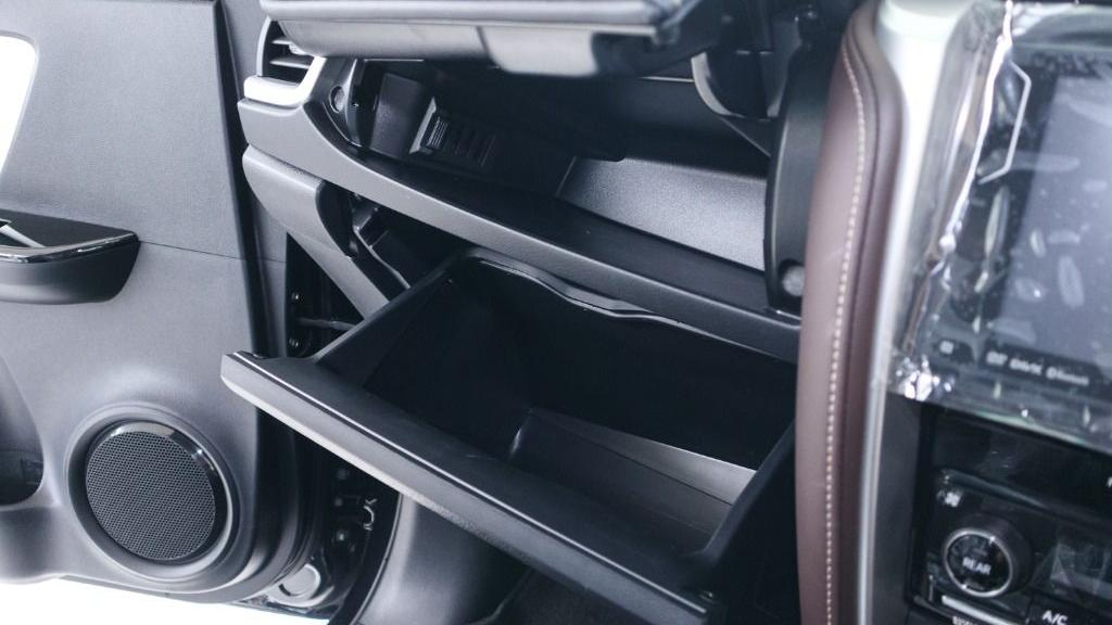 2018 Toyota Fortuner 2.7 SRZ AT 4x4 Interior 019