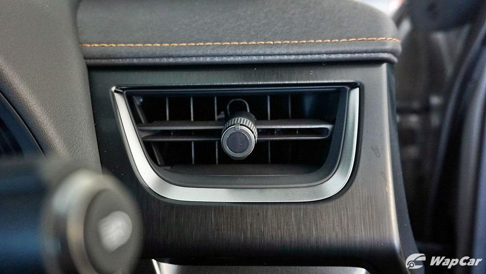 2020 Lexus UX 200 Luxury Interior 030
