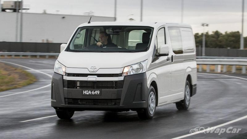 Spied: Toyota GranAce seen in Malaysia, will remain as recond for now 02