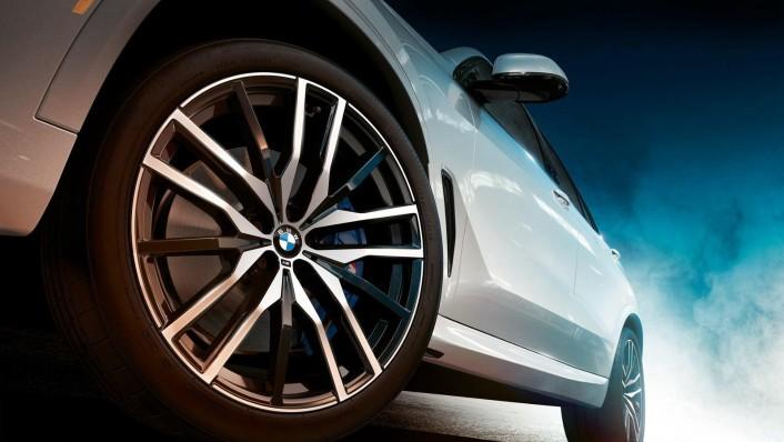 BMW X5 (2019) Exterior 005