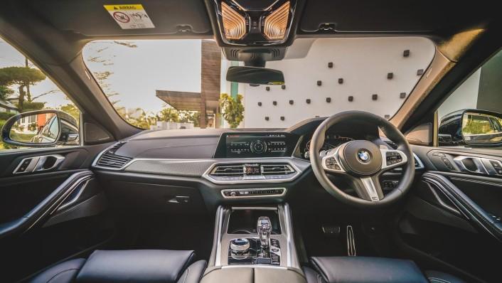 2020 BMW X6 xDrive40i M Sport Interior 001