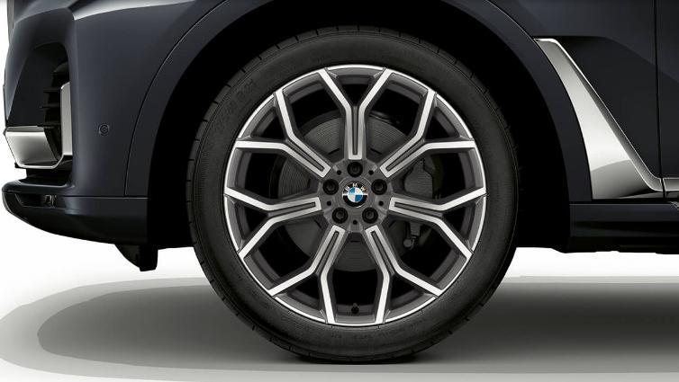 BMW X7 (2019) Exterior 010