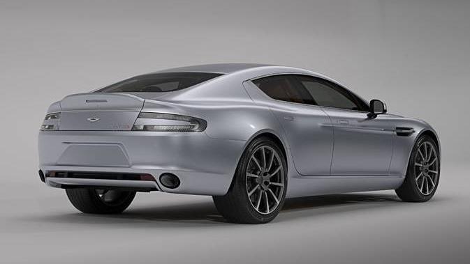 Aston Martin Rapide S (2015) Exterior 008