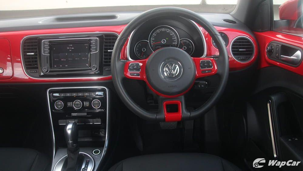 2018 Volkswagen Beetle 1.2 TSI Sport Interior 002
