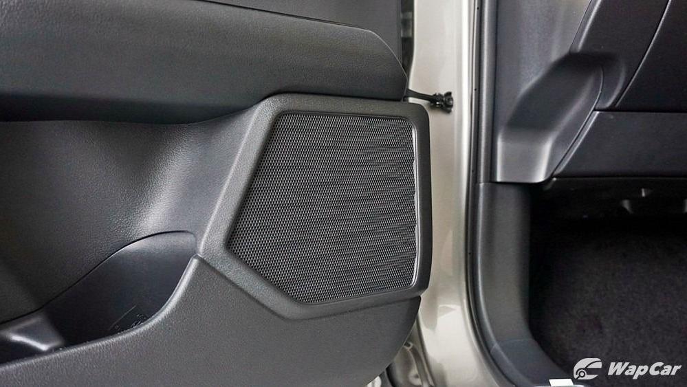 2020 Lexus UX 200 Luxury Interior 079
