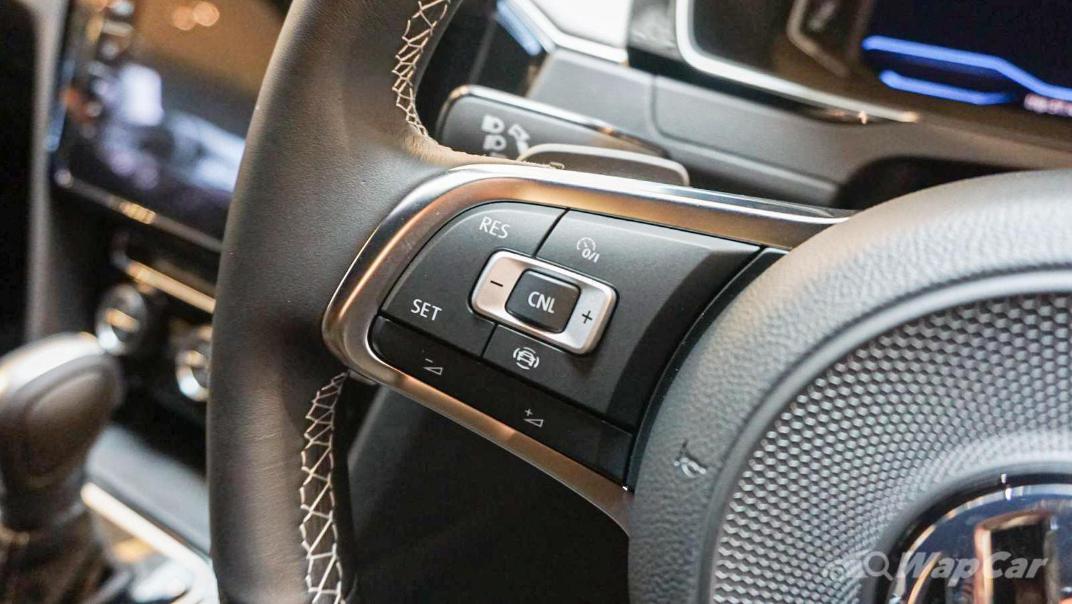 2020 Volkswagen Arteon 2.0 TSI R-Line Interior 005