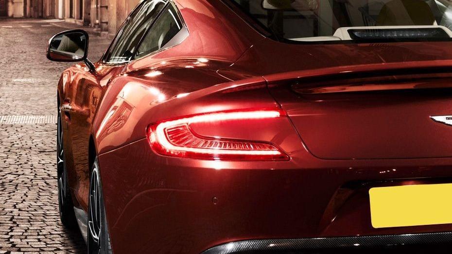Aston Martin Vanquish (2018) Exterior 008