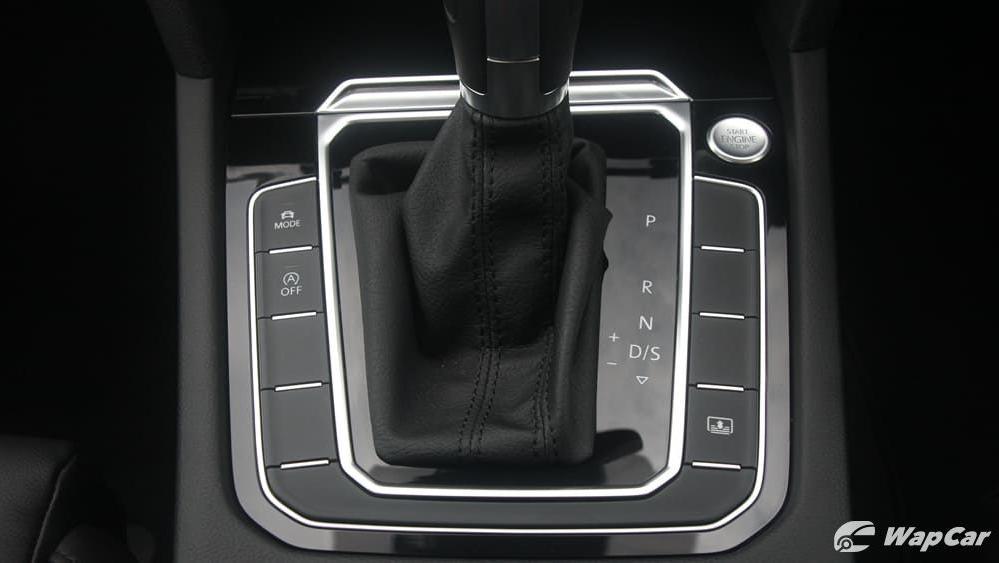 2018 Volkswagen Passat 2.0 TSI Highline Interior 028