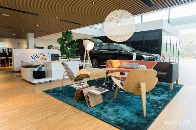 Ingress Swede Volvo showroom interior