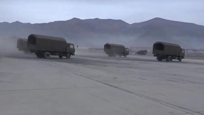 Sliding lorries